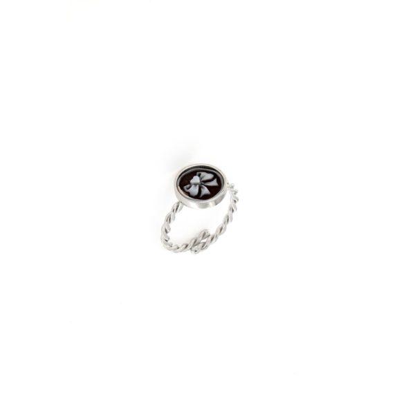 Anello in argento 925% e cammeo sardonica fiocco-0